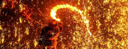 DaShuHua (打树花) — China's Blacksmiths Put On Dazzling Display for New Year
